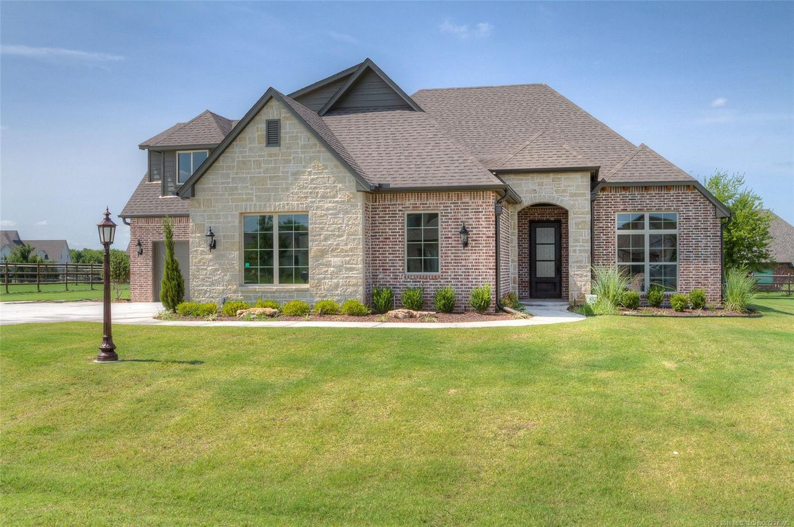 MLS 1830915, 9/20/18, g, Owasso home for sale, stone canyon Owasso 4 bedroom home